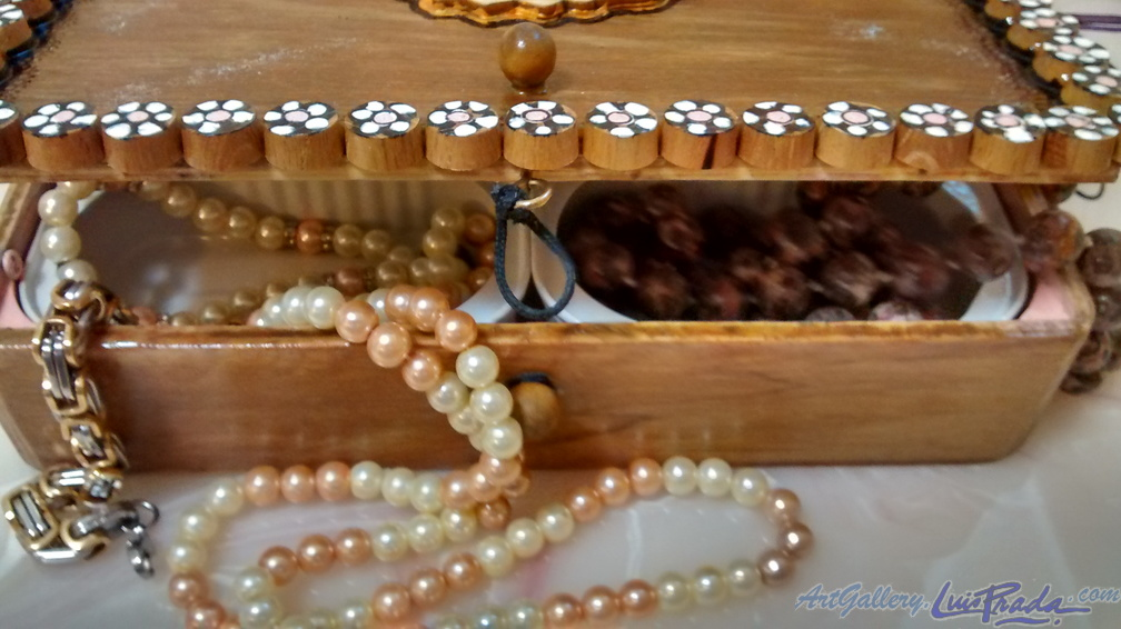 Jewelry Box 1, Detail 1 - Joyero 1, Detalle 1