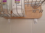 Shower Rack Installed With Items and Bottom Hooks (Repisa de la Regadera Instalada Con Artículos y Ganchos Debajo))