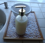 Tray with Kitchen Soap Dispenser - Bandeja con Dispensador de Jabón de la Cocina