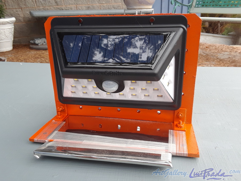 Solar Panel and LED Array, 2 - Matriz de Paneles Solares y LEDs, 2