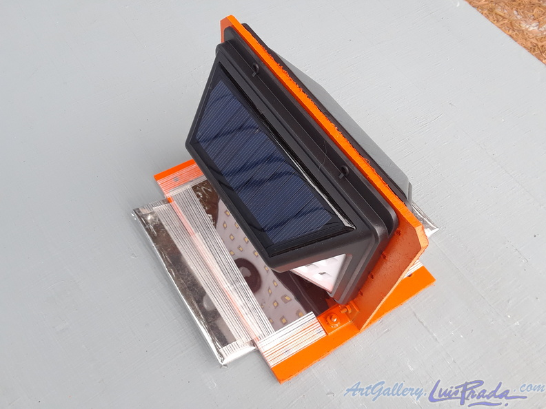 Solar Panel and LED Array, 1 - Matriz de Paneles Solares y LEDs, 1